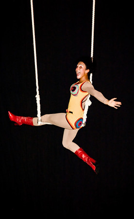 Célia Borges - Clown & Trapeze Apresentaçao de formatura dos alunos da primeira turma do CEFAC.