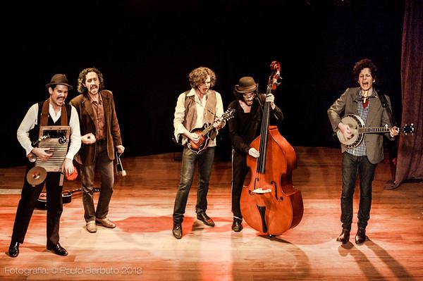 Mustache e Os Apaches - Trixmix Cabaret - Junho 2013