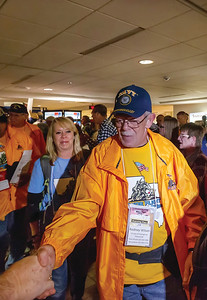 084_HonorFlight38QuadCities_102716 _9743