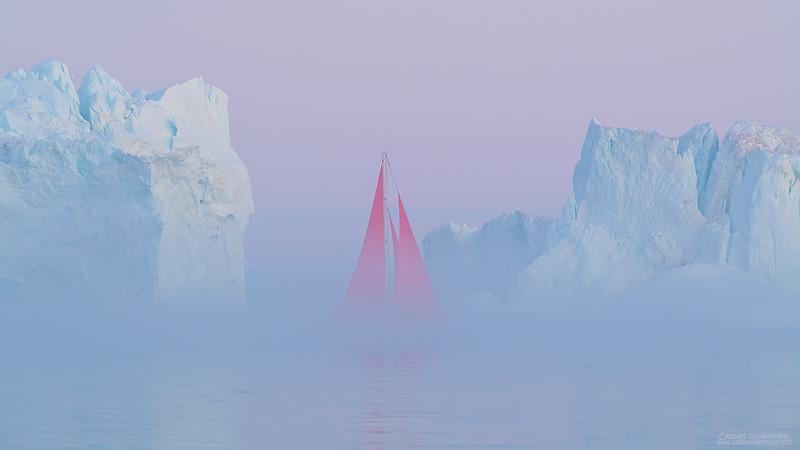 El rojo entre la niebla