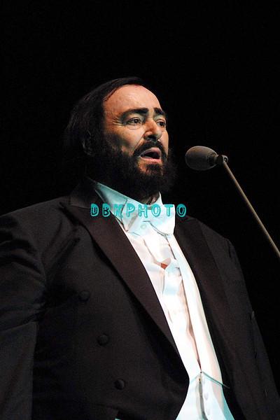 "ATLANTIC CITY, NJ Pavarotti came to Atlantic City to perform before a ""Sold Out' Arena at Trump Taj Mahal, Saturday evening February 3, 2001 in Atlantic City, NJ."