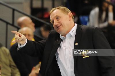 16.02.2011 - Belchatow , Siatkowka - PlusLiga , PGE SKRA Belchatow (zolte) - AZS Czestochowa (czarne) N/Z Trener Jacek Nawrocki Fot. Mariusz Palczynski / MPAimages.com