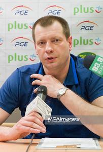 23.03.2011 - Belchatow , Siatkowka - PlusLiga , PGE SKRA Belchatow (zolte) - ZAKSA Kedzierzyn-Kozle (granatowe) N/Z Krzysztof Stelmach Fot. Mariusz Palczynski / MPAimages.com