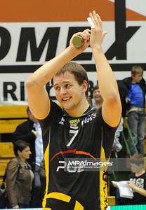 06.04.2011 - Czestochowa , Siatkowka - PlusLiga ,  TYTAN AZS Czestochowa (biale) - PGE SKRA Belchatow (czarne) N/Z Bartosz Kurek Fot. Mariusz Palczynski / MPAimages.com
