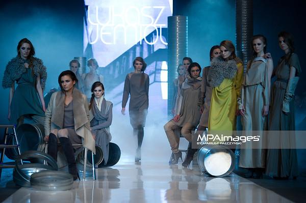 08.05.2011 - Lodz , FashionPhilosophy Fashion Week Poland , Aleja Projektantow , Designers Avenue  N/Z Kolekcja Lukasz Jemiol Fot. Mariusz Palczynski / MPAimages.com