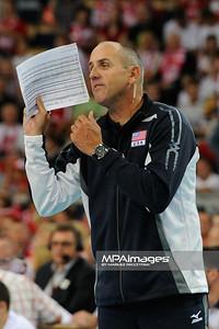 27.05.2011 - Lodz , Atlas Arena , Siatkowka, Liga Swiatowa 2011 ,  Polska (biale) - USA (granatowe) N/Z Trener Alan Knipe Fot. Mariusz Palczynski / MPAimages.com