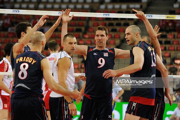 27.05.2011 - Lodz , Atlas Arena , Siatkowka, Liga Swiatowa 2011 ,  Polska (biale) - USA (granatowe) N/Z Siatkarze USA Fot. Mariusz Palczynski / MPAimages.com