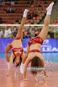 27.05.2011 - Lodz , Atlas Arena , Siatkowka, Liga Swiatowa 2011 ,  Polska (biale) - USA (granatowe) N/Z Cheerleaders Fot. Mariusz Palczynski / MPAimages.com