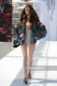 11.06.2011 - Sopot , Molo , Sopot Fashion Days , Prezentacje studentow szkol artystycznych N/Z Kolekcja - Dominika Naziebly Fot. Mariusz Palczynski / MPAimages.com