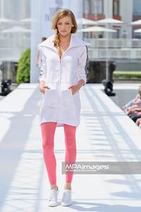 12.06.2011 - Sopot , Molo , Sopot Fashion Days N/Z Kolekcja MANITIC Martyna Lipinska Fot. Mariusz Palczynski / MPAimages.com