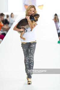 26.06.2011 - Warszawa , Warsaw Fashion Street N/Z Natalia Lesz Fot. Mariusz Palczynski / MPAimages.com