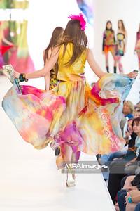 26.06.2011 - Warszawa , Warsaw Fashion Street N/Z Pokaz Beata Jarmolowska Fot. Mariusz Palczynski / MPAimages.com