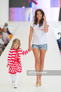 26.06.2011 - Warszawa , Warsaw Fashion Street N/Z Agnieszka Wlodarczyk Fot. Mariusz Palczynski / MPAimages.com