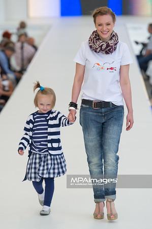 26.06.2011 - Warszawa , Warsaw Fashion Street N/Z Magdalena Boczarska Fot. Mariusz Palczynski / MPAimages.com