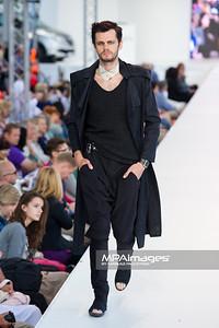 26.06.2011 - Warszawa , Warsaw Fashion Street N/Z Pokaz Iwona Leliwa Kopystynska Fot. Mariusz Palczynski / MPAimages.com