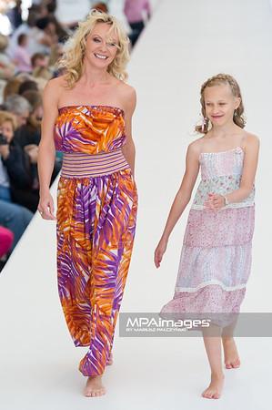 26.06.2011 - Warszawa , Warsaw Fashion Street N/Z Beata Sciabakowna Fot. Mariusz Palczynski / MPAimages.com