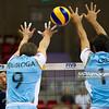 06.07.2011 - Gdansk , ERGO Arena , Siatkowka mezczyzn (Volleyball men's) , Finaly Ligi Swiatowej 2011 , FIVB World League Final 2011 ,  Argentyna (bialo-niebieskie) - Wlochy (granatowe) N/Z Lasko , Quiroga , Crer Fot. Mariusz Palczynski / MPAimages.com