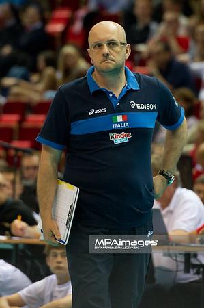 06.07.2011 - Gdansk , ERGO Arena , Siatkowka mezczyzn (Volleyball men's) , Finaly Ligi Swiatowej 2011 , FIVB World League Final 2011 ,  Argentyna (bialo-niebieskie) - Wlochy (granatowe) N/Z Mauro Berruto Fot. Mariusz Palczynski / MPAimages.com