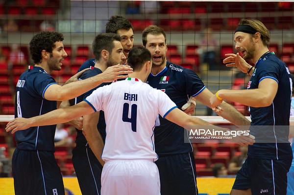 06.07.2011 - Gdansk , ERGO Arena , Siatkowka mezczyzn (Volleyball men's) , Finaly Ligi Swiatowej 2011 , FIVB World League Final 2011 ,  Argentyna (bialo-niebieskie) - Wlochy (granatowe) N/Z Reprezentanci Wloch Fot. Mariusz Palczynski / MPAimages.com