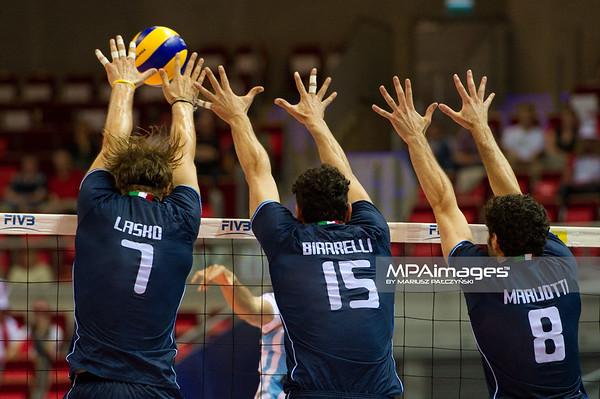 06.07.2011 - Gdansk , ERGO Arena , Siatkowka mezczyzn (Volleyball men's) , Finaly Ligi Swiatowej 2011 , FIVB World League Final 2011 ,  Argentyna (bialo-niebieskie) - Wlochy (granatowe) N/Z Lasko , Birarelli , Maruotti Fot. Mariusz Palczynski / MPAimages.com