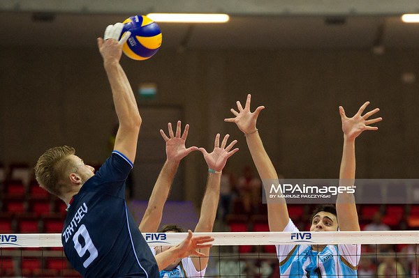 06.07.2011 - Gdansk , ERGO Arena , Siatkowka mezczyzn (Volleyball men's) , Finaly Ligi Swiatowej 2011 , FIVB World League Final 2011 ,  Argentyna (bialo-niebieskie) - Wlochy (granatowe) N/Z Zaytsev , Sole Fot. Mariusz Palczynski / MPAimages.com