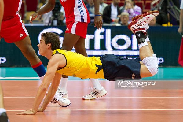 06.07.2011 - Gdansk , ERGO Arena , Siatkowka mezczyzn (Volleyball men's) , Finaly Ligi Swiatowej 2011 , FIVB World League Final 2011 ,  Brazylia (zolte) - Kuba (czerwone) N/Z Bruno Rezende Fot. Mariusz Palczynski / MPAimages.com