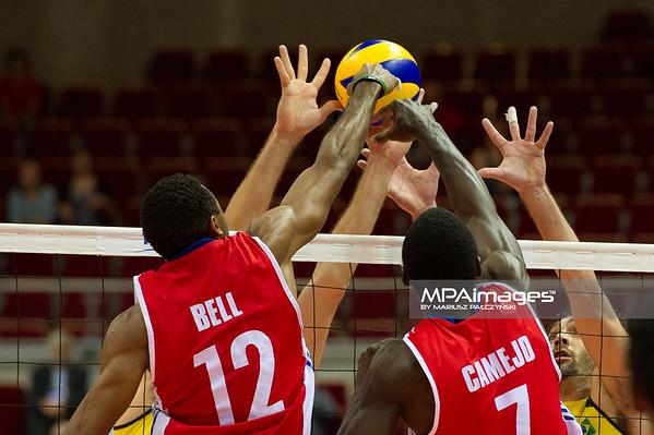 06.07.2011 - Gdansk , ERGO Arena , Siatkowka mezczyzn (Volleyball men's) , Finaly Ligi Swiatowej 2011 , FIVB World League Final 2011 ,  Brazylia (zolte) - Kuba (czerwone) N/Z Bell , Camejo , Giba Fot. Mariusz Palczynski / MPAimages.com