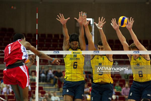 06.07.2011 - Gdansk , ERGO Arena , Siatkowka mezczyzn (Volleyball men's) , Finaly Ligi Swiatowej 2011 , FIVB World League Final 2011 ,  Brazylia (zolte) - Kuba (czerwone) N/Z Leon , Vissotto , Sidao , Murilo Fot. Mariusz Palczynski / MPAimages.com