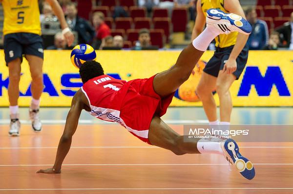 06.07.2011 - Gdansk , ERGO Arena , Siatkowka mezczyzn (Volleyball men's) , Finaly Ligi Swiatowej 2011 , FIVB World League Final 2011 ,  Brazylia (zolte) - Kuba (czerwone) N/Z Leon Fot. Mariusz Palczynski / MPAimages.com