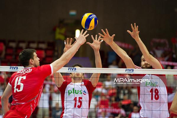 06.07.2011 - Gdansk , ERGO Arena , Siatkowka mezczyzn (Volleyball men's) , Finaly Ligi Swiatowej 2011 , FIVB World League Final 2011 ,  Polska (biale) - Bulgaria (czerwone) N/Z Todor Aleksiev , Lukasz Zygadlo , Marcin Mozdzonek Fot. Mariusz Palczynski / MPAimages.com