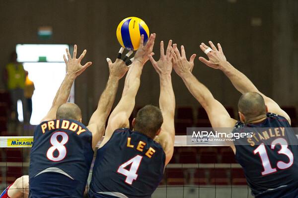 06.07.2011 - Gdansk , ERGO Arena , Siatkowka mezczyzn (Volleyball men's) , Finaly Ligi Swiatowej 2011 , FIVB World League Final 2011 ,  USA (granatowe) - Rosja (czerwone) N/Z William Priddy , David Lee , Clayton Stanley Fot. Mariusz Palczynski / MPAimages.com