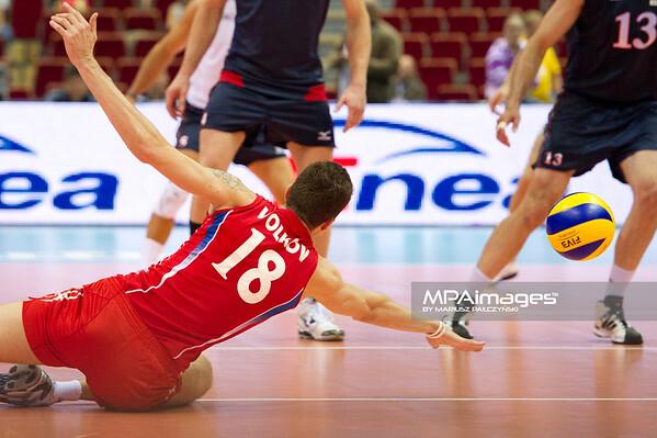 06.07.2011 - Gdansk , ERGO Arena , Siatkowka mezczyzn (Volleyball men's) , Finaly Ligi Swiatowej 2011 , FIVB World League Final 2011 ,  USA (granatowe) - Rosja (czerwone) N/Z Aleksander Volkov Fot. Mariusz Palczynski / MPAimages.com