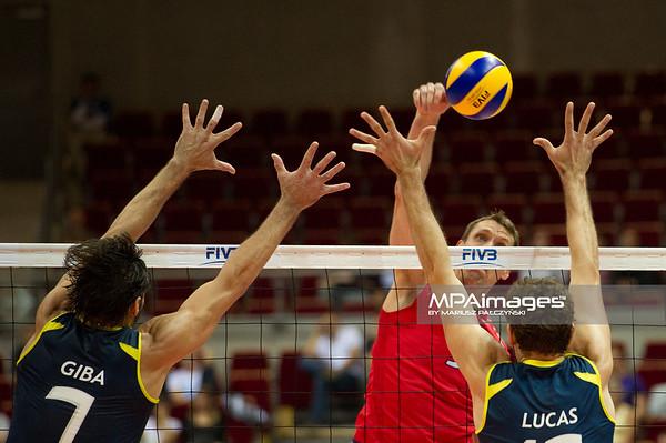 07.07.2011 - Gdansk , ERGO Arena , Siatkowka mezczyzn (Volleyball men's) , Finaly Ligi Swiatowej 2011 , FIVB World League Final 2011 ,  USA (czerwone) - Brazylia (granatowe)  N/Z Giba , Lucas Fot. Mariusz Palczynski / MPAimages.com