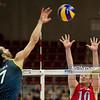 07.07.2011 - Gdansk , ERGO Arena , Siatkowka mezczyzn (Volleyball men's) , Finaly Ligi Swiatowej 2011 , FIVB World League Final 2011 ,  USA (czerwone) - Brazylia (granatowe)  N/Z Giba , Brian Thornton Fot. Mariusz Palczynski / MPAimages.com