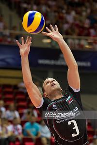 07.07.2011 - Gdansk , ERGO Arena , Siatkowka mezczyzn (Volleyball men's) , Finaly Ligi Swiatowej 2011 , FIVB World League Final 2011 ,  Wlochy (biale) - Bulgaria (czarne)  N/Z Andreay Zhekov Fot. Mariusz Palczynski / MPAimages.com