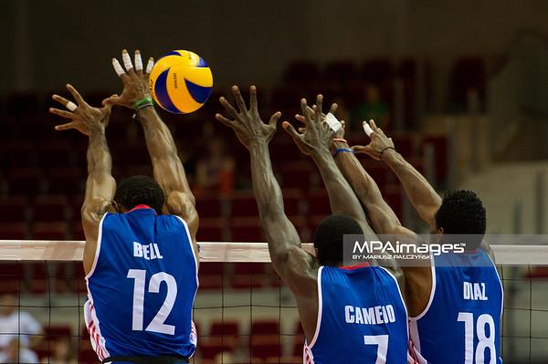 08.07.2011 - Gdansk , ERGO Arena , Siatkowka mezczyzn (Volleyball men's) , Finaly Ligi Swiatowej 2011 , FIVB World League Final 2011 ,  USA (biale) - Kuba (granatowe)  N/Z Bell , Camejo , Diaz Fot. Mariusz Palczynski / MPAimages.com