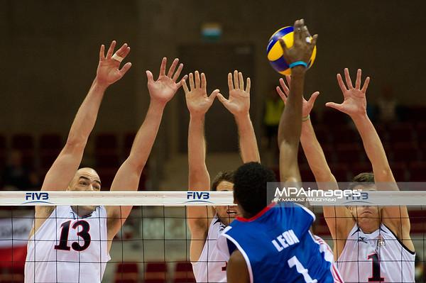08.07.2011 - Gdansk , ERGO Arena , Siatkowka mezczyzn (Volleyball men's) , Finaly Ligi Swiatowej 2011 , FIVB World League Final 2011 ,  USA (biale) - Kuba (granatowe)  N/Z Clayton Stanley , Leon , matthew Anderson Fot. Mariusz Palczynski / MPAimages.com