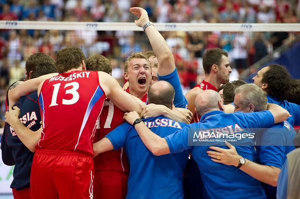 10.07.2011 - Gdansk , ERGO Arena , Siatkowka mezczyzn (Volleyball men's) , Finaly Ligi Swiatowej 2011 , FIVB World League Final 2011 ,  Final Brazylia (zolte) - Rosja (czerwone)  N/Z Radosc Rosjan Fot. Mariusz Palczynski / MPAimages.com