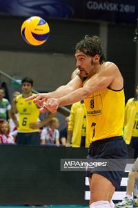 10.07.2011 - Gdansk , ERGO Arena , Siatkowka mezczyzn (Volleyball men's) , Finaly Ligi Swiatowej 2011 , FIVB World League Final 2011 ,  Final Brazylia (zolte) - Rosja (czerwone)  N/Z Giba Fot. Mariusz Palczynski / MPAimages.com
