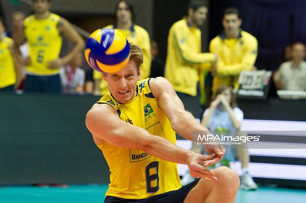 10.07.2011 - Gdansk , ERGO Arena , Siatkowka mezczyzn (Volleyball men's) , Finaly Ligi Swiatowej 2011 , FIVB World League Final 2011 ,  Final Brazylia (zolte) - Rosja (czerwone)  N/Z Murilo Fot. Mariusz Palczynski / MPAimages.com