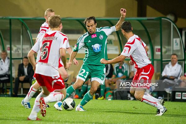 29.08.2011 - Belchatow , pilka nozna , T-Mobile Ekstraklasa , LKS Lodz (bialo-czerwone) - Legia Warszawa (zielone)  N/Z  Ivica Vrdolijak  Fot. Mariusz Palczynski / MPAimages.com