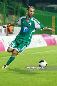 29.08.2011 - Belchatow , pilka nozna , T-Mobile Ekstraklasa , LKS Lodz (bialo-czerwone) - Legia Warszawa (zielone)  N/Z  Danjel Ljuboja  Fot. Mariusz Palczynski / MPAimages.com