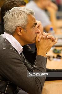 15.10.2011 - Belchatow , siatkowka , PlusLiga , PGE SKRA Belchatow (zolte) - TYTAN AZS Czestochowa (czarne)  N/Z Andrea Anastasi  Fot. Mariusz Palczynski / MPAimages.com