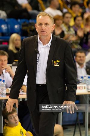 15.10.2011 - Belchatow , siatkowka , PlusLiga , PGE SKRA Belchatow (zolte) - TYTAN AZS Czestochowa (czarne)  N/Z Trener Jacek Nawrocki  Fot. Mariusz Palczynski / MPAimages.com