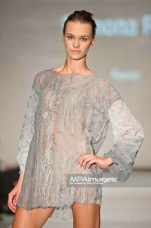 2011.10.26 - Lodz , Fashionphilosophy Fashion Week Poland 2012 S/S Re-Act Fashion - Ramona Rusu   Fot. Mariusz Palczynski / MPAimages.com