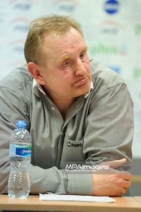 03.03.2012 - Belchatow , siatkowka ,  PlusLiga , PGE SKRA Belchatow (zolte) - Fart Kielce (zielone)  N/Z Jacek Nawrocki  Fot. Mariusz Palczynski / MPAimages.com