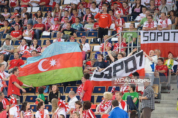 09.06.2012 - Lodz , Atlas Arena , siatkowka , World Grand Prix 2012 , Serbia (niebieskie) - Brazylia (biale) N/Z Kibice  Fot. Mariusz Palczynski / MPAimages.com