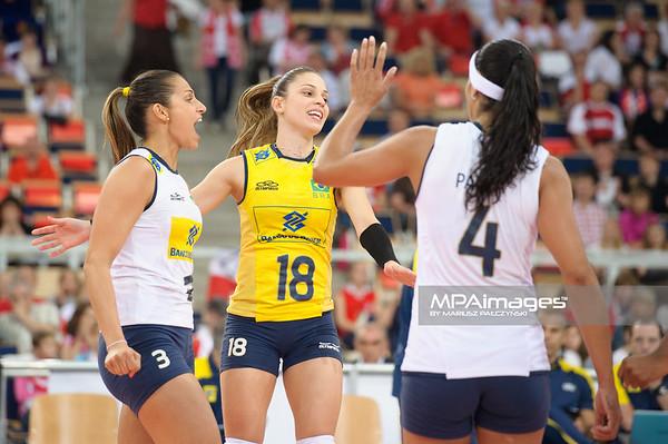 09.06.2012 - Lodz , Atlas Arena , siatkowka , World Grand Prix 2012 , Serbia (niebieskie) - Brazylia (biale) N/Z Radosc Brazylii  Fot. Mariusz Palczynski / MPAimages.com