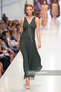24.06.2012 - Warszawa , Warsaw Fashion Street 2012 N/Z Kolekcja APART  Fot. Mariusz Palczynski / MPAimages.com