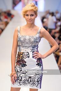 24.06.2012 - Warszawa , Warsaw Fashion Street 2012 N/Z Kolekcja ELIE TAHARI - Agnieszka Popielewicz  Fot. Mariusz Palczynski / MPAimages.com